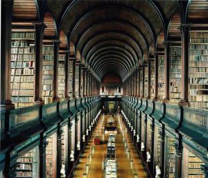 La sala grande della biblioteca