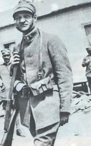 Giuseppe Ungaretti in divisa durante la guerra